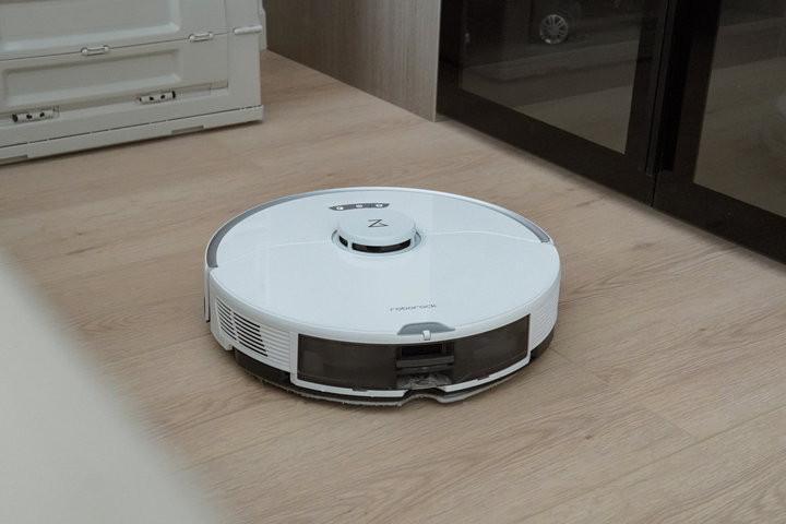 扫地累?清洁机器人更累!这台石头 G10 能用「自清洁」减负家务吗?